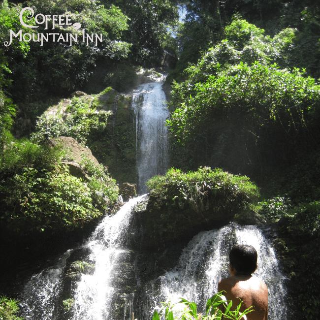 Las Golondrinas Falls